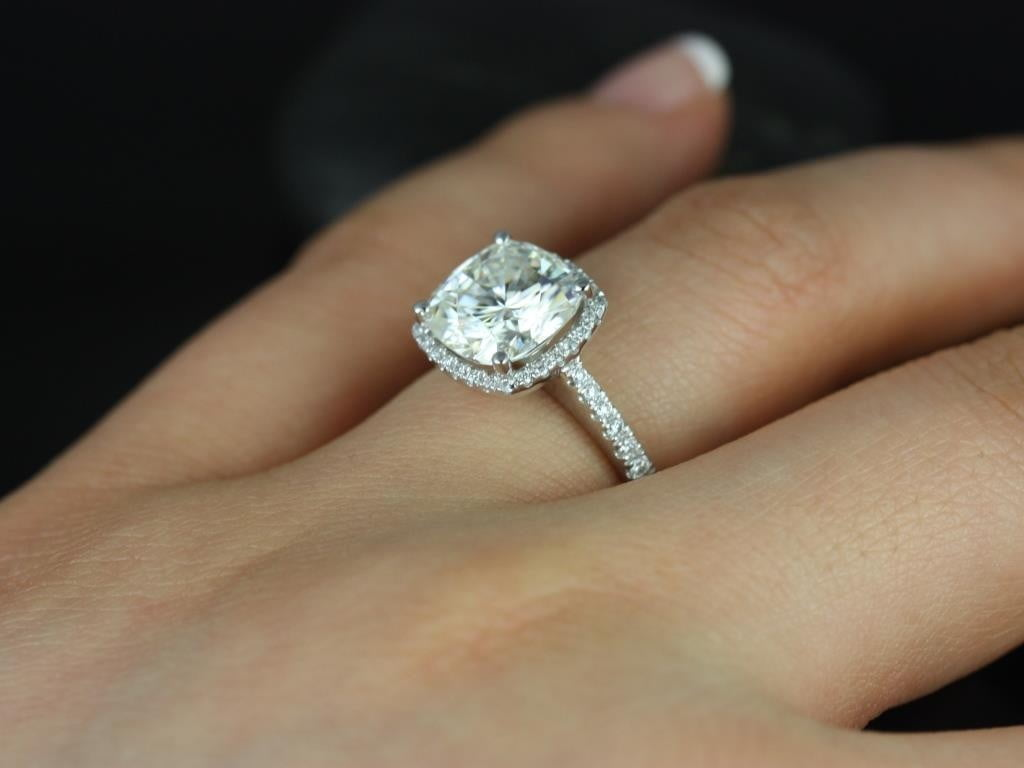 Why Buy the Engagement Ring in Hatton Garden?
